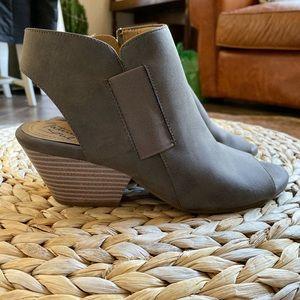 Naturalizer heel